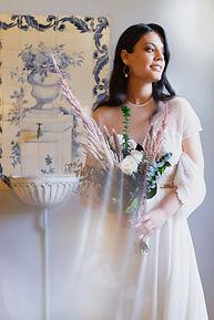 ramo de novia rosas blancas volumen