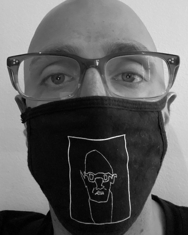 mask - black.jpg