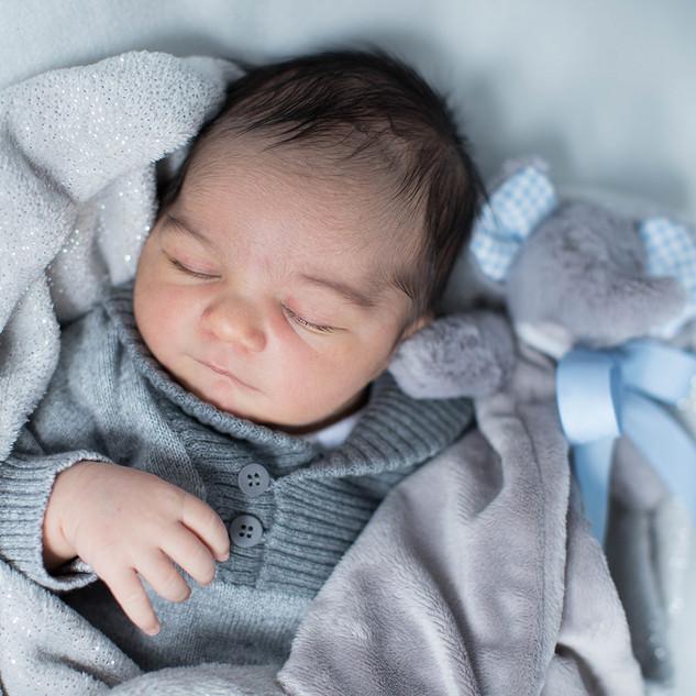 hospital newborn photographer.jpg