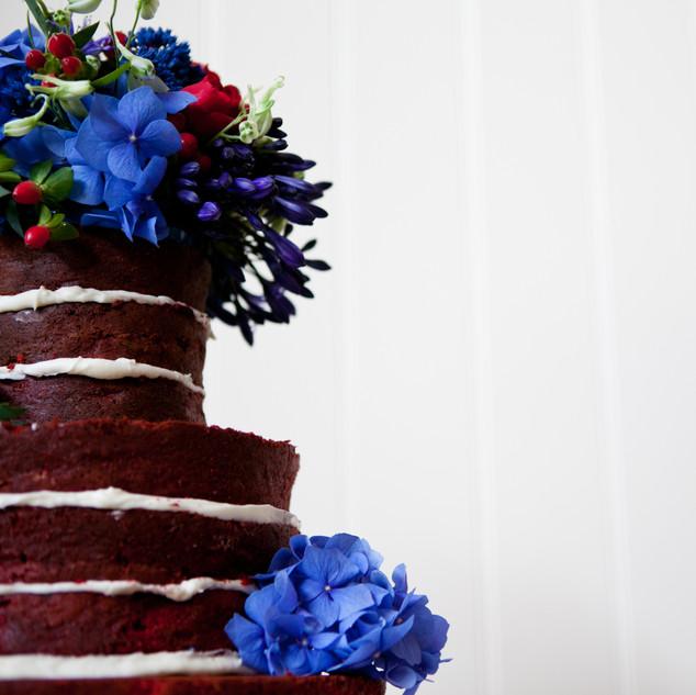 Creative wedding cake photo