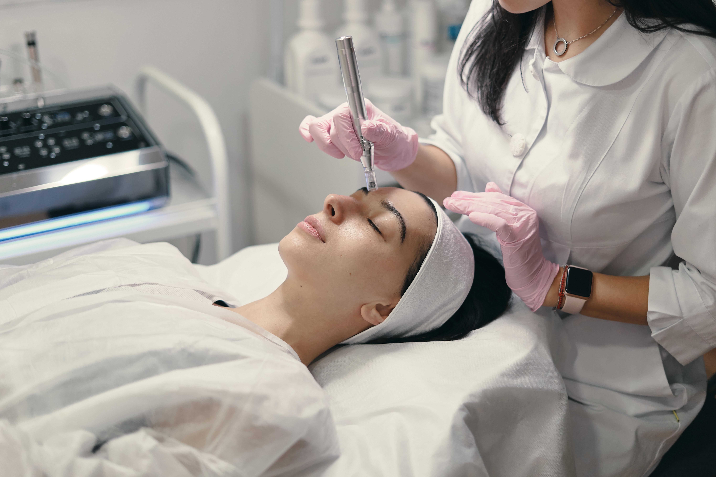 Rezenerate  Nano-Needling Facial