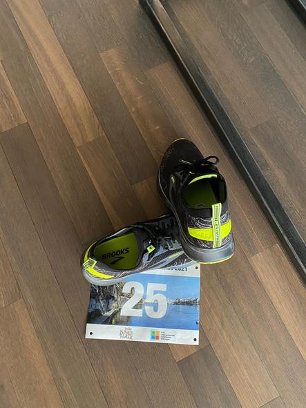 Schuh_Nummer_25.jpg