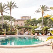 Pool With Main House by Pär Olsson.jpg