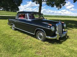 Active Oldtimer George Gluch Mercedes Benz 220 S Ponton Coupe mieten und selber fahren - 9