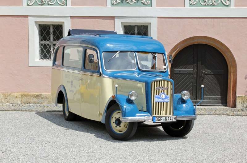 Active Oldtimer Bus mieten Opel Blitz 1.5 aussen2