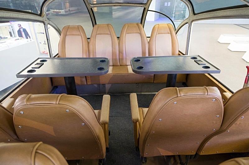 Active Oldtimer Bus mieten Neoplan SH30 innen leer hinten_edited