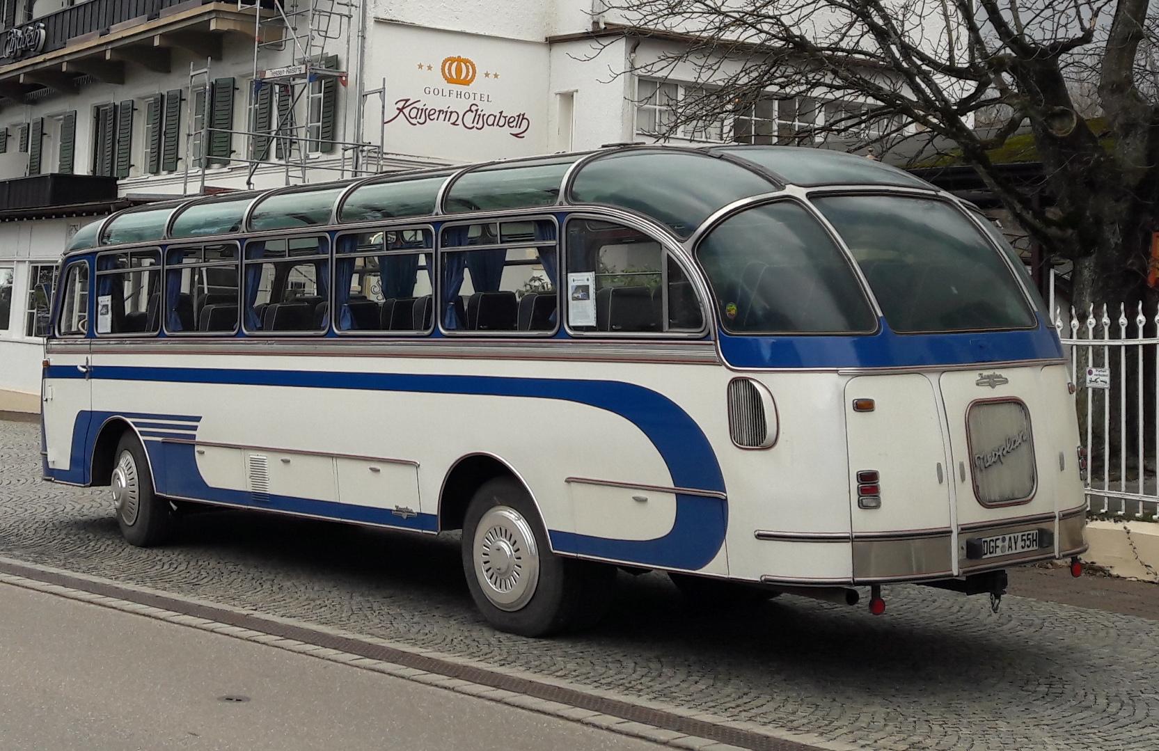 Neoplan SH 8