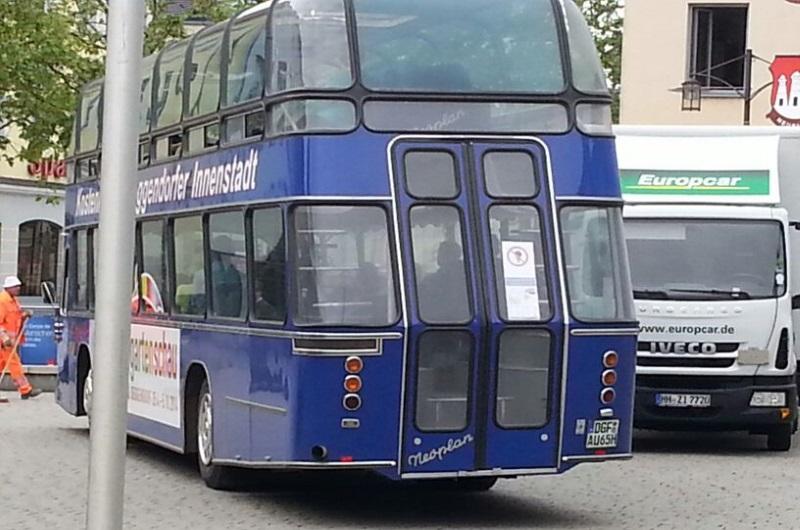 Active Oldtimer Bus mieten Doppeldecker DoLux aussen hinten