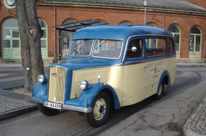 Active Oldtimer Bus mieten Opel Blitz 1.5 SH30 aussen