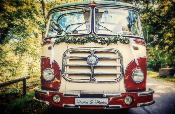 Mercedes Hochzeitsbus