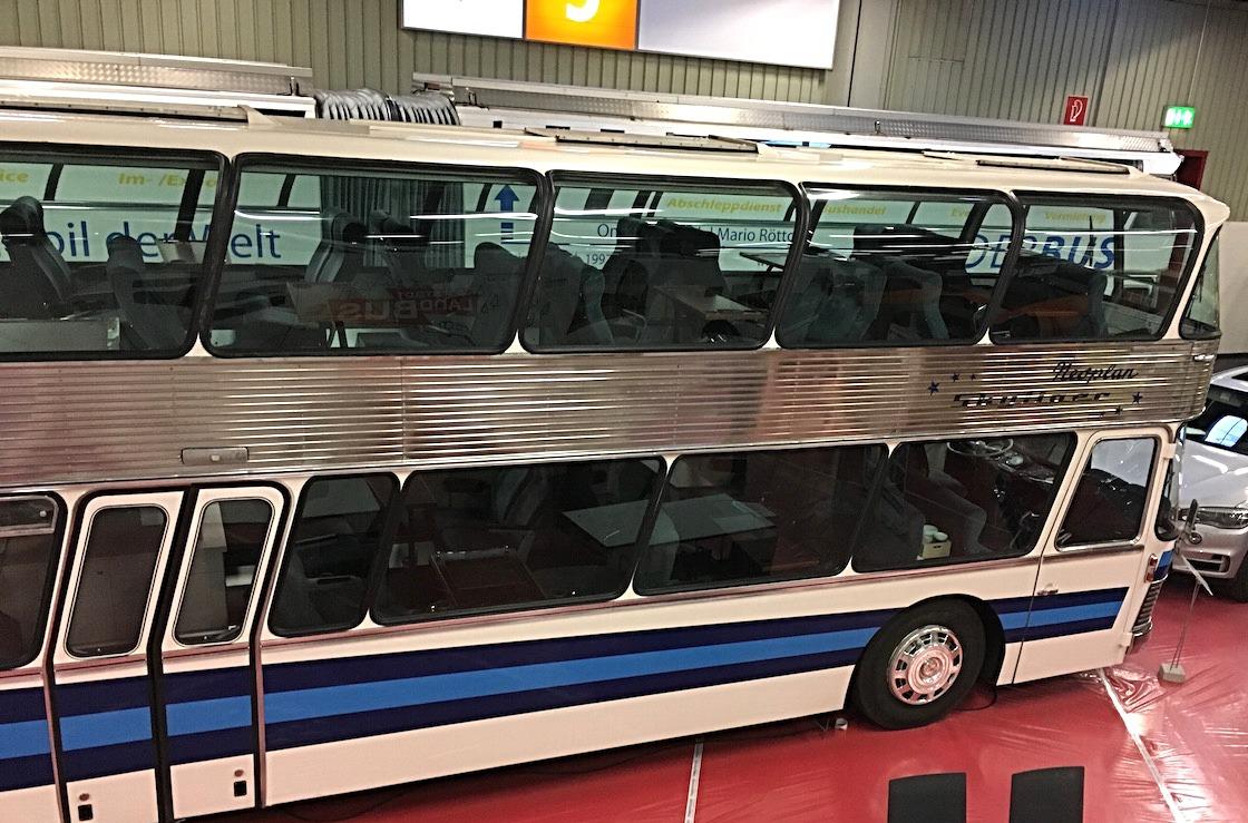 Active Oldtimer Bus mieten Neoplan Skyliner