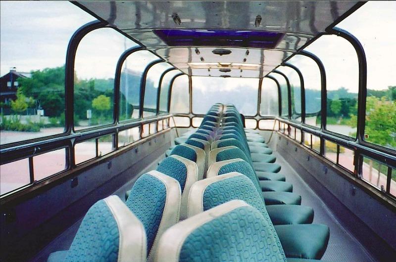 Active Oldtimer Bus mieten Doppeldecker DoLux innen