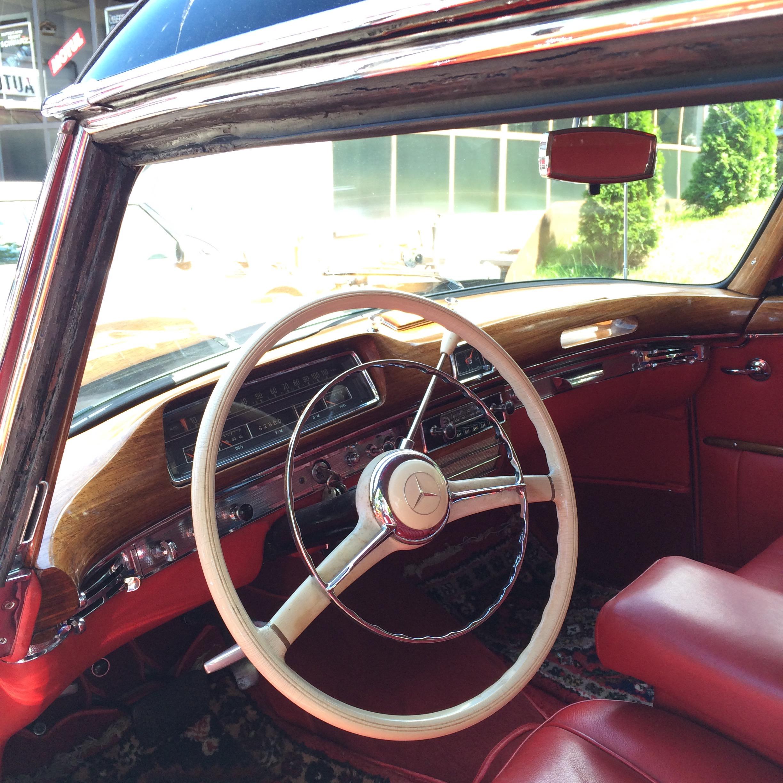 220 Ponton Coupe mieten3