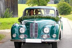 Barockengel mit Fahrer BMW