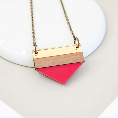 Point Necklace - Raspberry