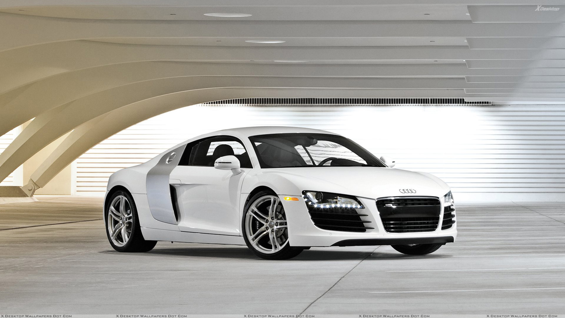 Front Side Pose Of Audi R8 In White.jpg