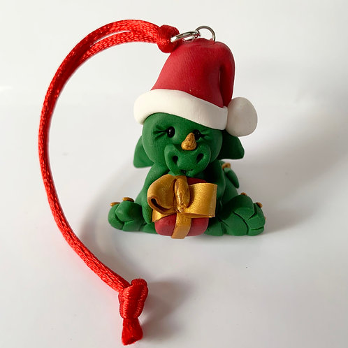 Dragon Hanger (Green holding a Present)