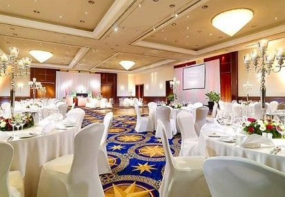grand ballroom deep carpet cleaning.jpg