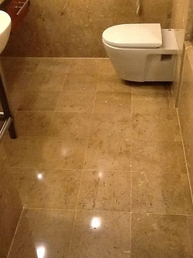 Fresh grout in floor and new silicone.JP