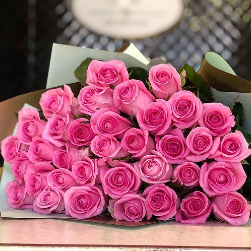 Букет розовые розы 35 шт