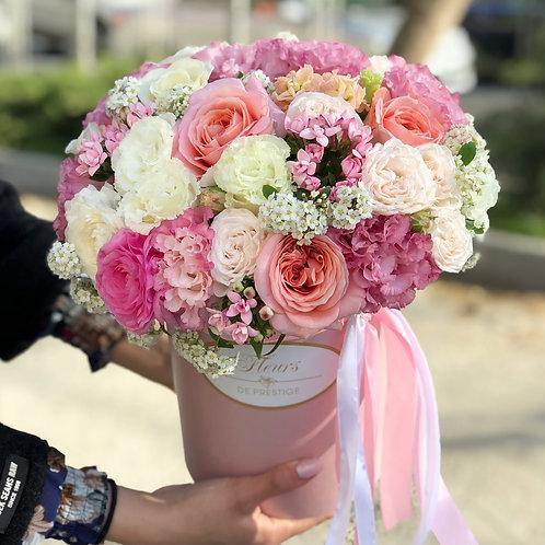 Цветы в шляпной коробке -12