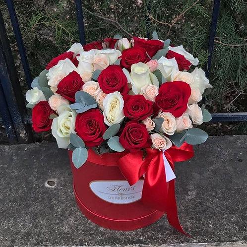 Цветы в шляпной коробке - 34