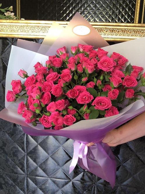 Букет кустовых роз 15 шт