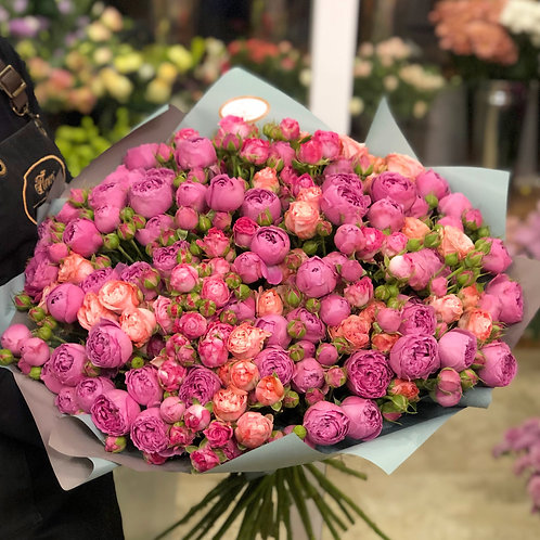 Букет пионовидных роз 39 шт