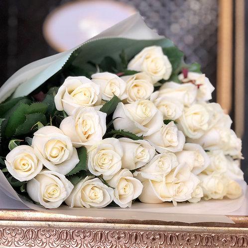 Букет белых роз 31 шт Магади (70см)