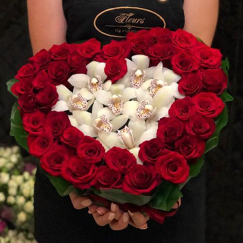 Букет роз с орхидеей
