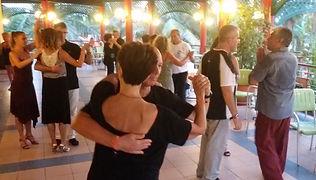 stage di tango, lezione di tango, osvaldo roldan, anna maria ferrara, tango a capo verde, vacanza tango a capo verde,