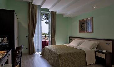camera matrimoniale Best western Regina Palace Ischia