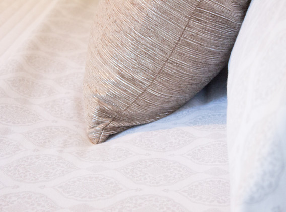 100% cotton sheets, soft blankets and quilts, two types of pillows to choose from, including bamboo memory foam.
