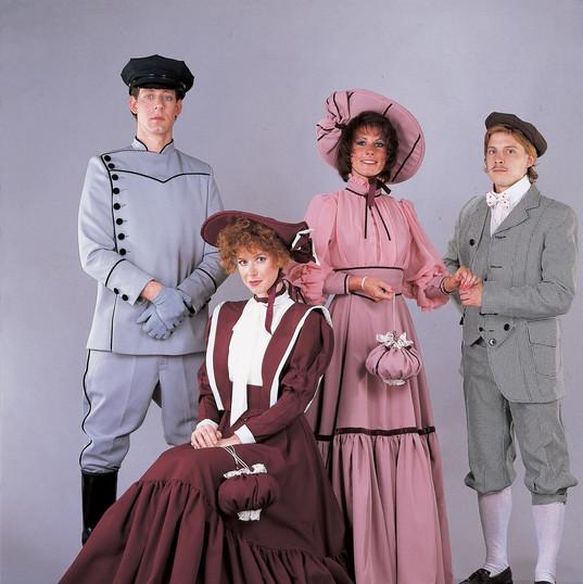 1800s daywear, knicker suit, chauffeur (