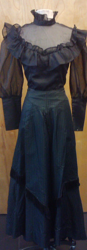 Victorian top and skirt.jpg