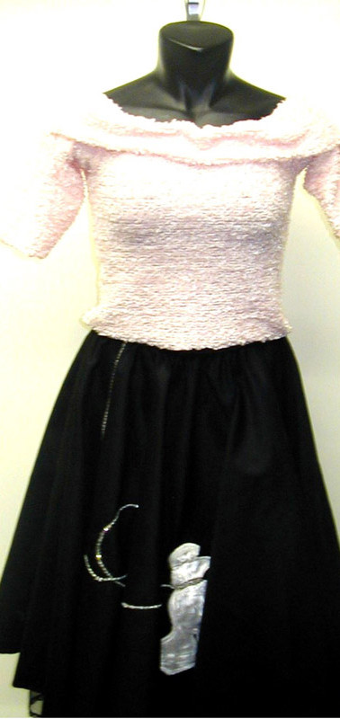 grease-poodle-skirt.jpg