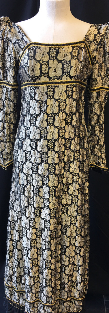 Victorian Dress.jpg