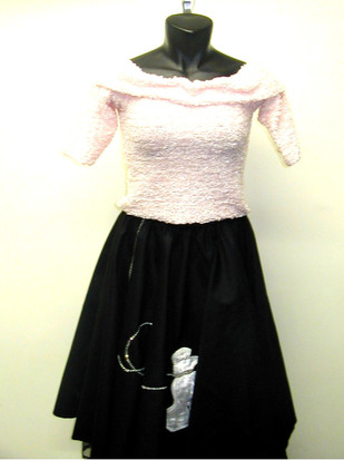 typical-poodle-skirt-outfitjpg
