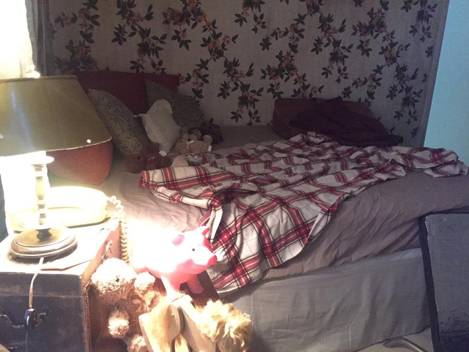 Set 4 - 1970s San Francisco - Bed Room