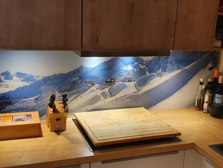 Druck einer Acrylglasplatte, welche optimal als Küchenrückwand genutzt werden kann.