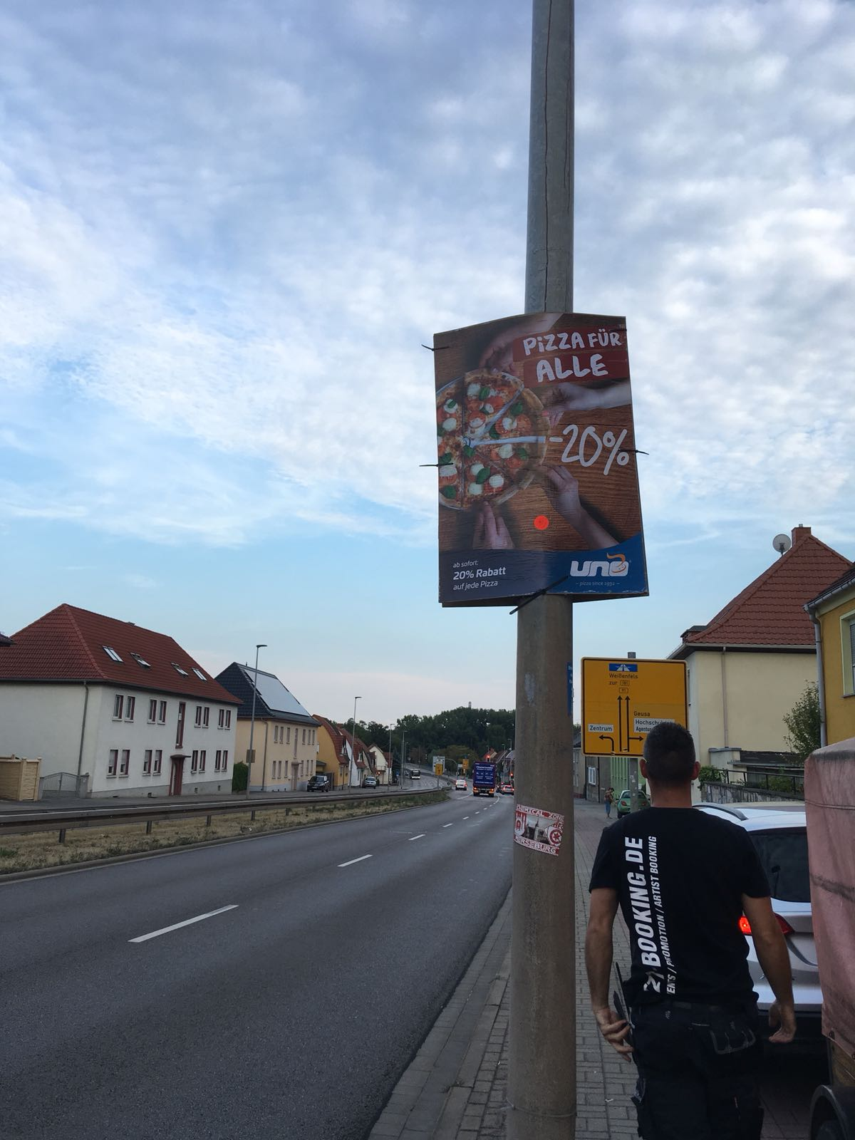 Plakatierung Uno Pizza