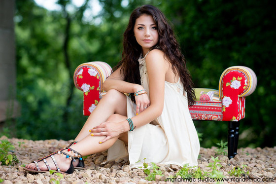Class of 2018 Makeup + Hair and Photo Sessions