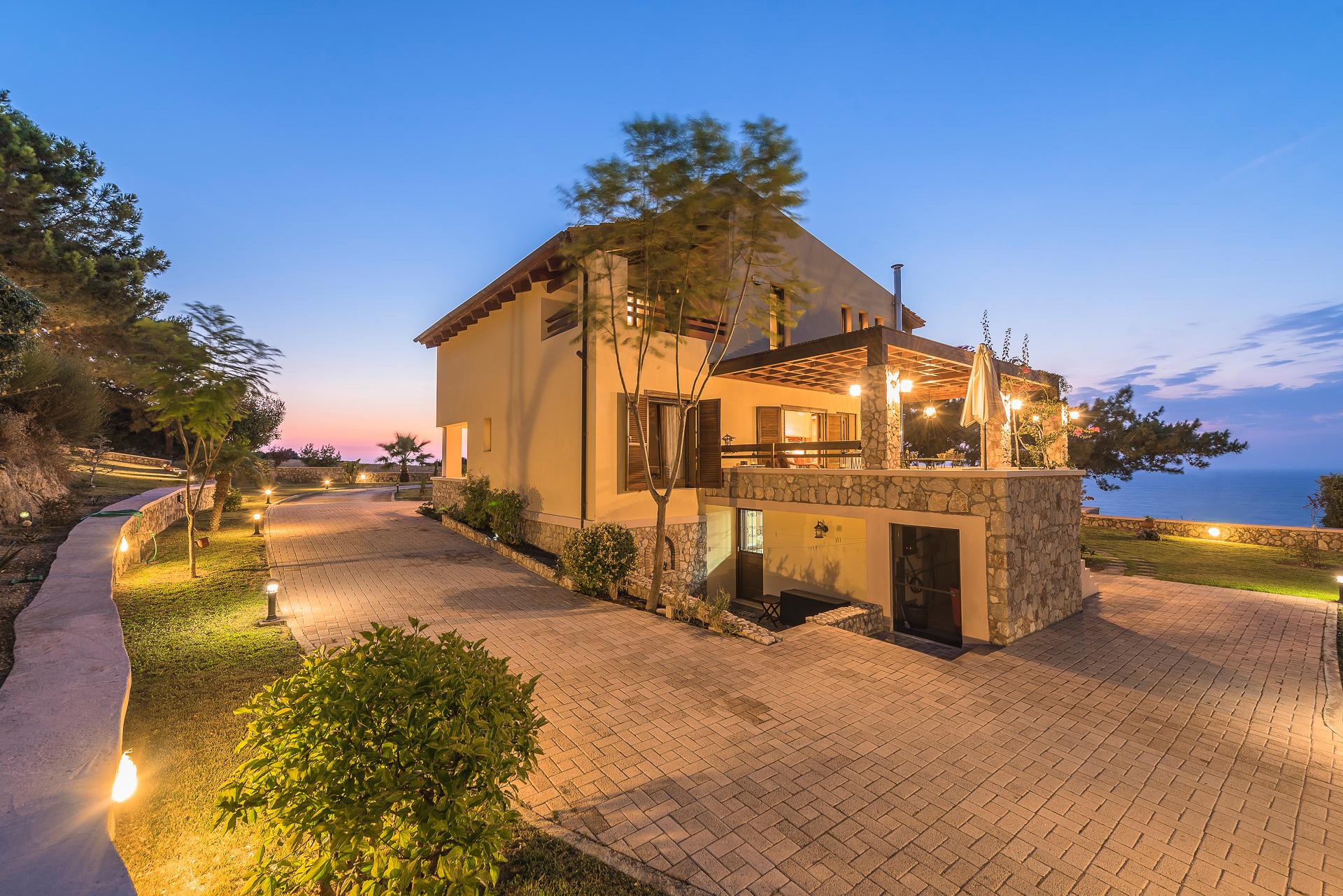 Garten-Seiteineingang_Villa Russelia Rhodos_0037