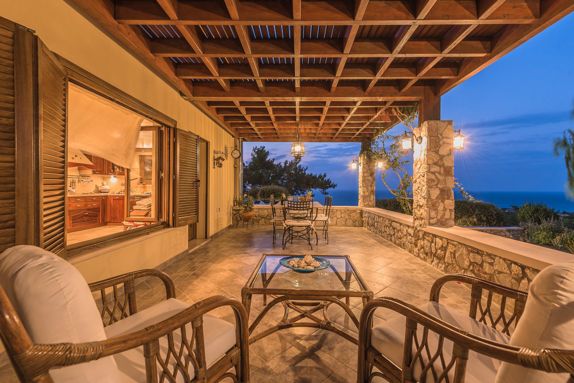 Villa Russelia_Rhodes_Veranda_50