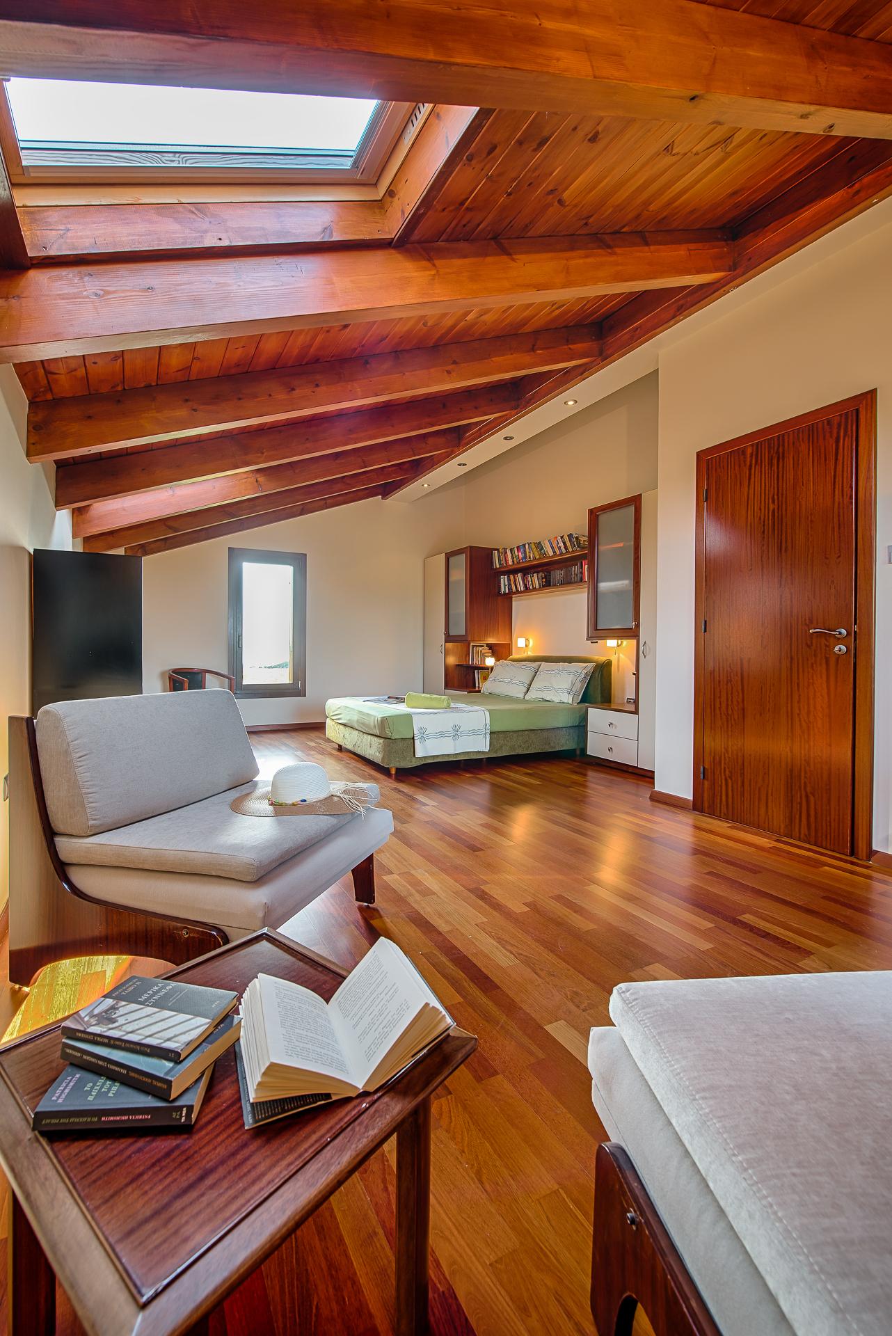 Villa Russelia_Rhodes_Attic_23