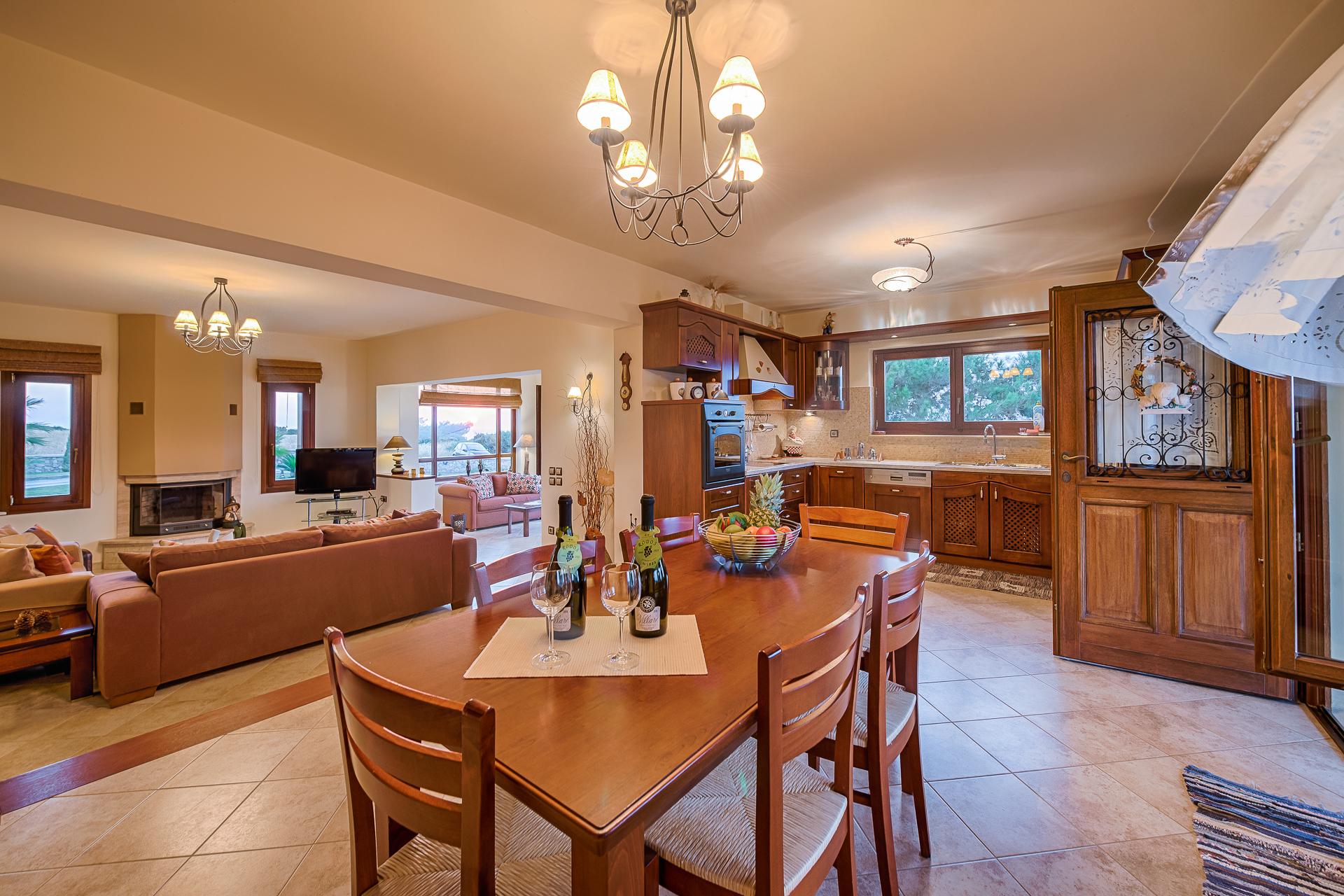 Villa Russelia_Rhodes_dining room36