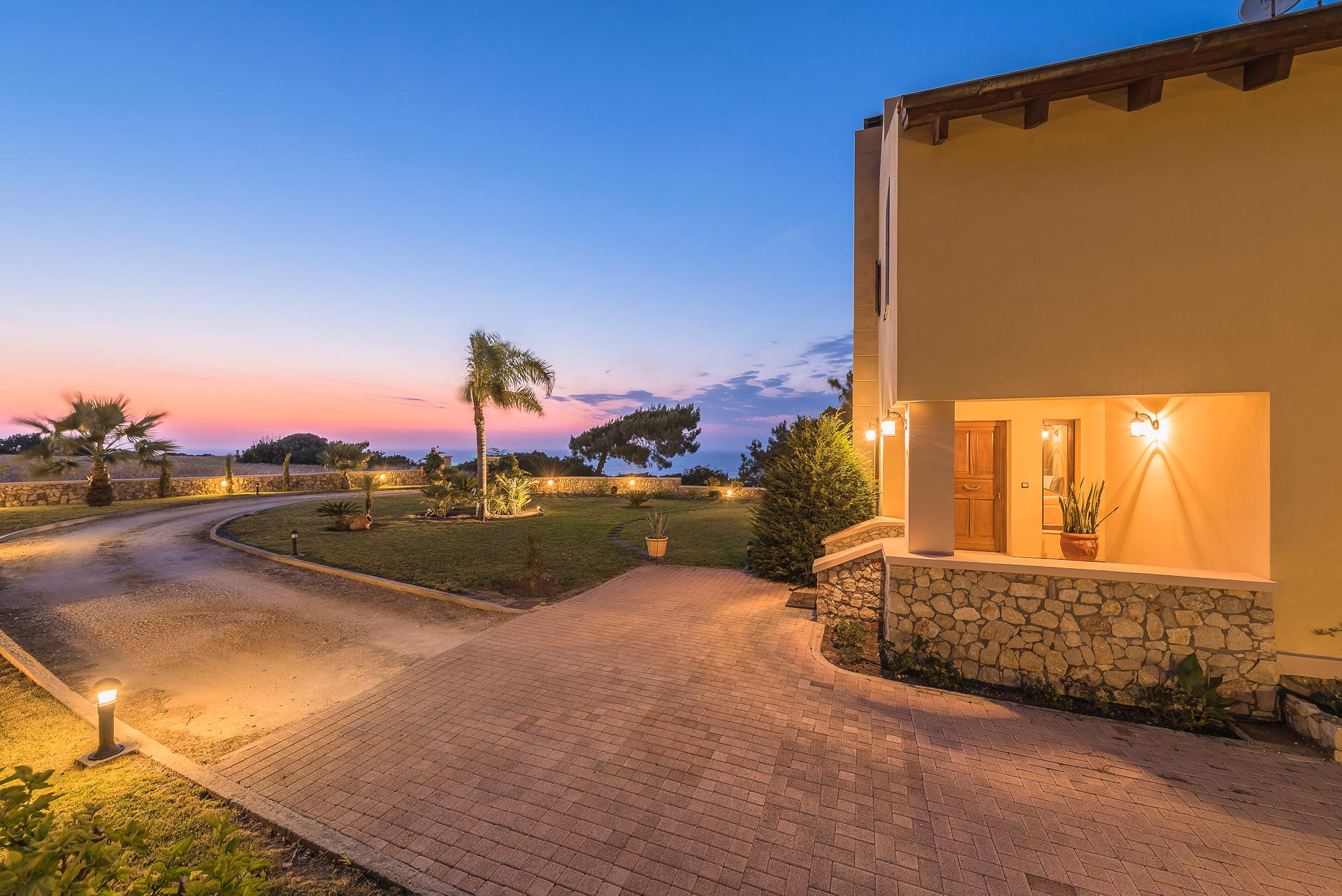 Villa Russelia_Rhodes_garden_54