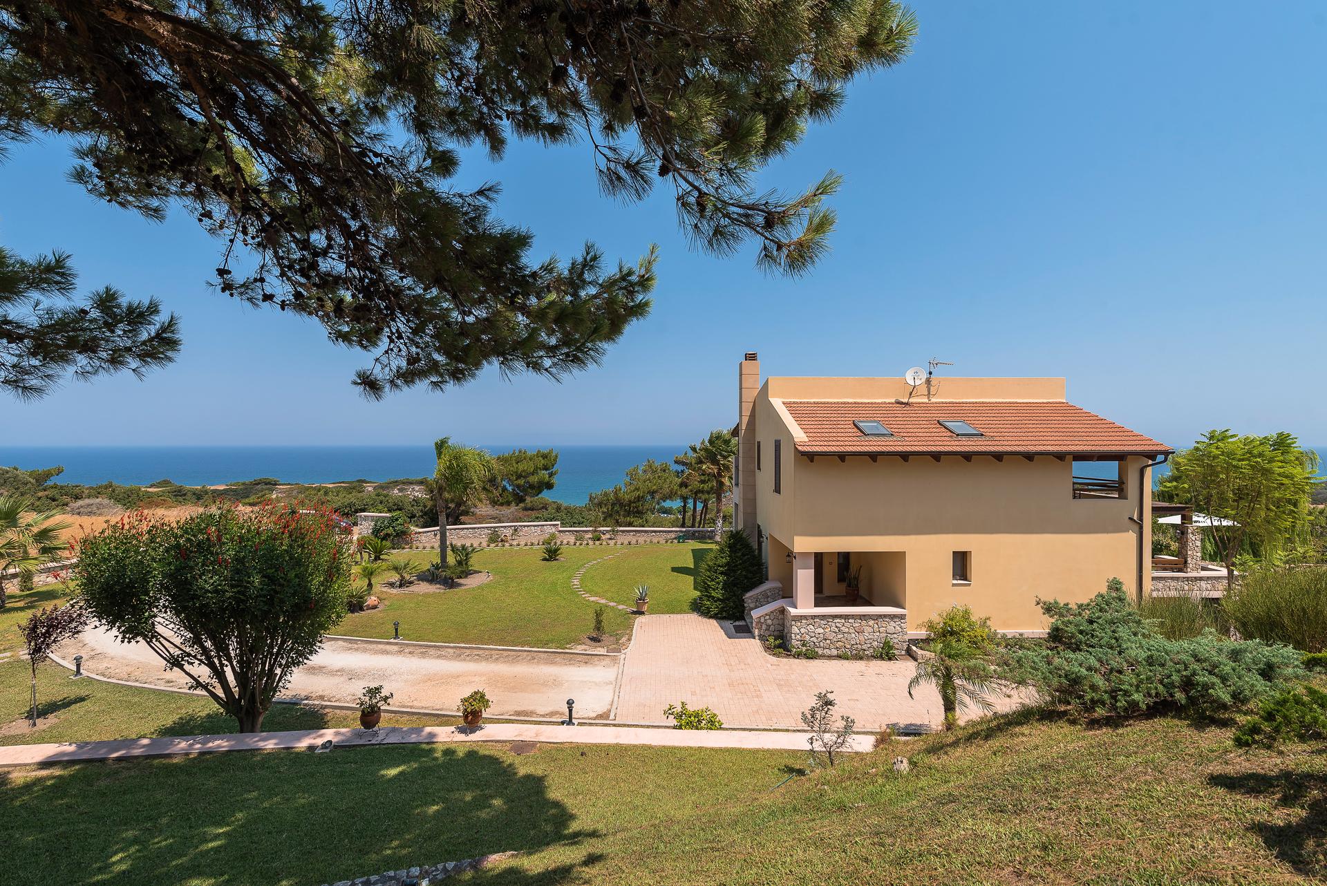 Villa Russelia_Rhodes_2
