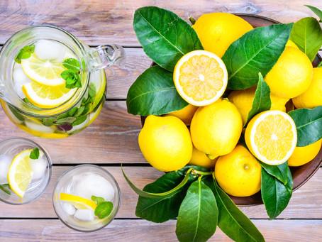 9 Benefits of Drinking Lemon Water