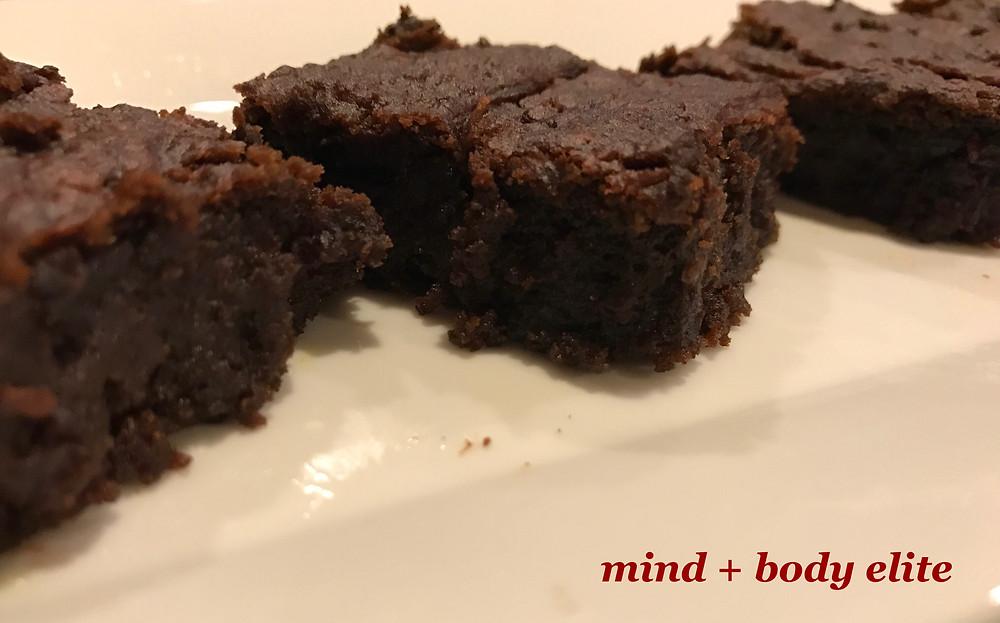 Gingerbread Brownie Bites